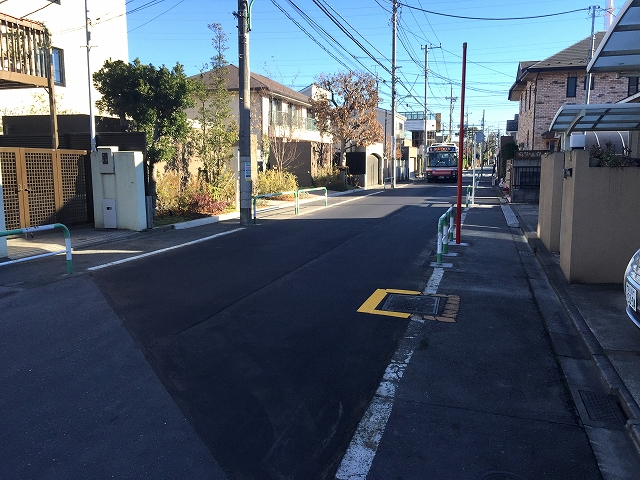 ガーデンコート成城UNITED CUBES 前面道路
