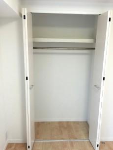 西荻ニュースカイマンション 洋室約4.3帖収納