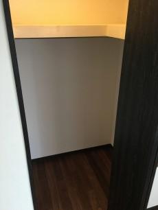 マルモール代々木 洋室約6.4帖
