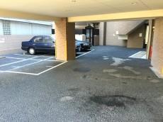 キャニオングランデ荻窪 駐車場