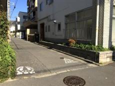 中野ハイネスコーポ 前面道路
