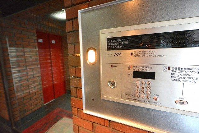 ライオンズマンション上北沢502号室 エントランス (2)