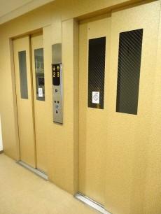 メガロン大井町 エレベーターは2基