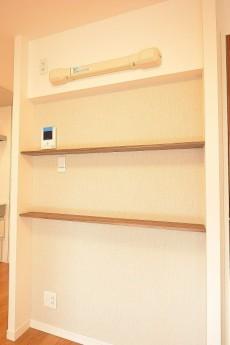 松見坂武蔵野マンション 6.7帖ダイニングキッチンの飾り棚