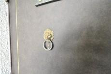 ライオンズマンション弦巻 玄関扉