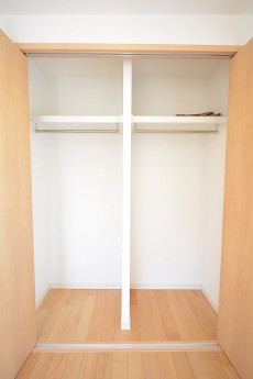 目白ハイツ 6.3帖のベッドルームのクローゼット