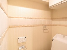 桔梗ハイツ一番町 トイレ壁面