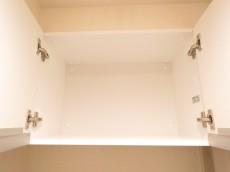 桔梗ハイツ一番町 トイレ吊戸棚