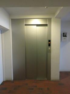 ライオンズマンション元麻布 エレベーター