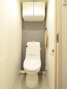 ライオンズマンション元麻布 ウォシュレット付きトイレ