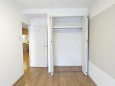 ライオンズマンション元麻布 洋室約5.2帖