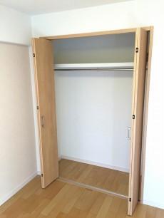 ライオンズマンション上北沢 洋室約5.5帖収納