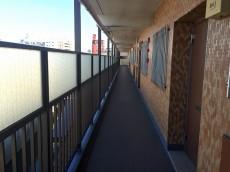 方南町ローヤルコーポ 外廊下