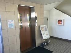 方南町ローヤルコーポ エレベーター