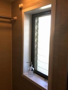 ハウス南経堂 バスルーム窓