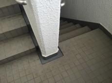 コートハウス上野毛 階段