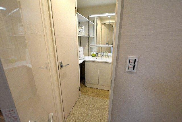 ライオンズマンション上北沢502号室 洗面 (4)