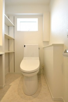 上馬フラワーホーム ウォシュレット付きトイレ