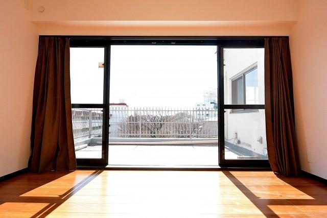 マンション南恵比寿 6.6帖のベッドルーム 窓