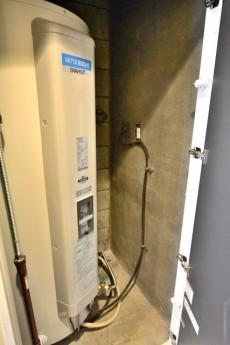 エザンス高井戸 電気温水器