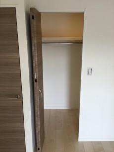 エザンス高井戸 洋室約6.5帖収納