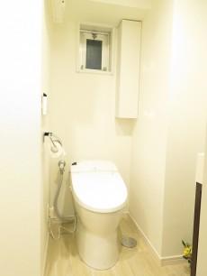 ハイネス麻布 ウォシュレット付きトイレ