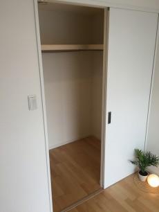 東中野コーポラス 洋室収納