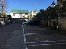 ライオンズマンション高円寺南 駐車場