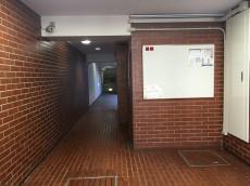 財形第3御殿山マンション エントランスホール