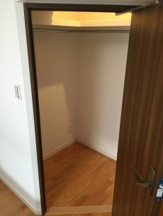 財形第3御殿山マンション 洋室約6.9帖収納
