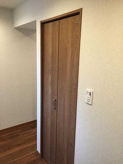ヴィラロイヤル代々木 廊下収納