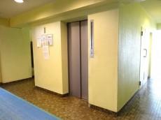 初台ハイツ エレベーター