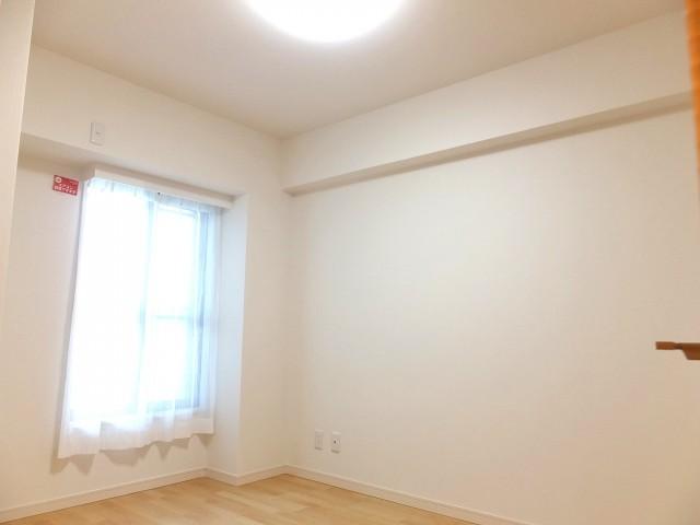 キャニオングランデ荻窪 洋室2