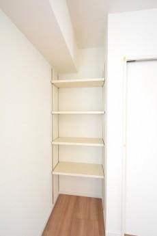 藤和大久保コープ 6.3帖ベッドルーム 可動棚