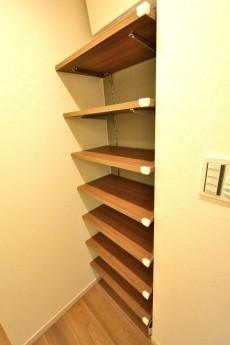 駒沢オリンピックマンション 廊下棚