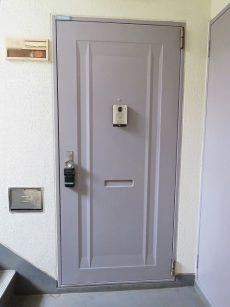 砧公園スカイハイツ 玄関扉