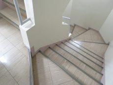 ソフトタウン池袋 共用階段
