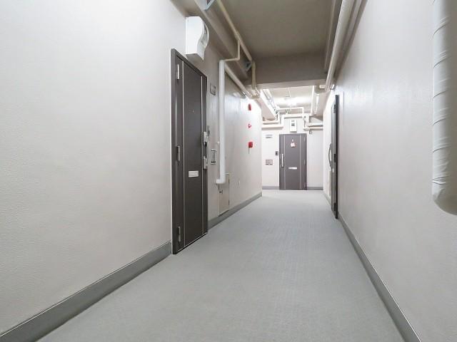 キャッスル世田谷 共用廊下