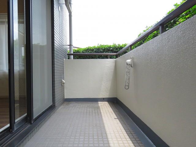 ファミールプランシェ経堂 洋室側バルコニー
