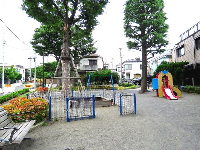 ファミールプランシェ経堂 公園