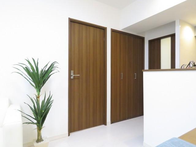 豊榮アンバサダー六本木 洋室扉