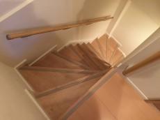 成城エンジェルマンション 階段
