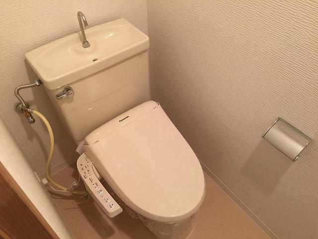 成城エンジェルマンション 地下トイレ