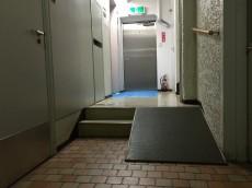 小田急目白台マンション 共用廊下