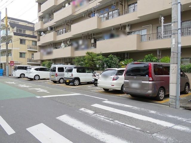 キャッスル世田谷 駐車場