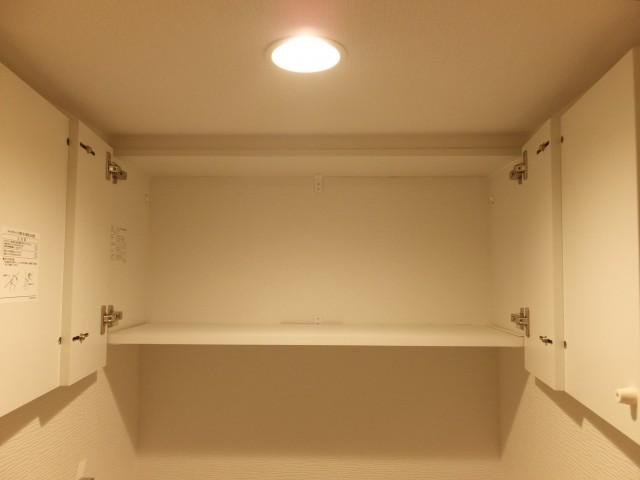 白金台グロリアハイツ トイレ収納