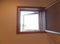 センチュリー巣鴨 洗面室 小窓