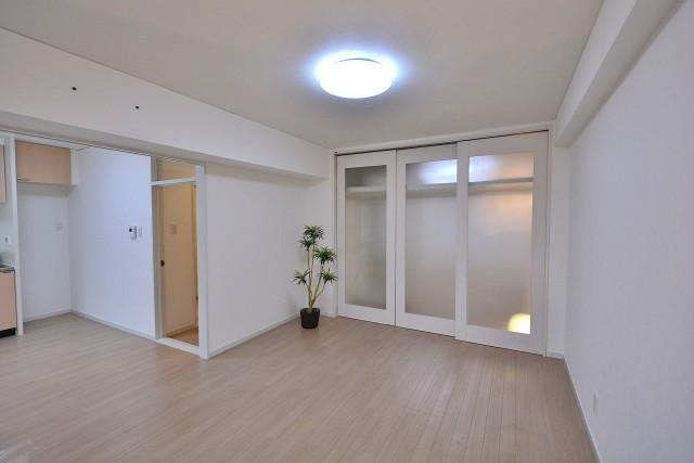 幡ヶ谷コーエイマンション リビングダイニング