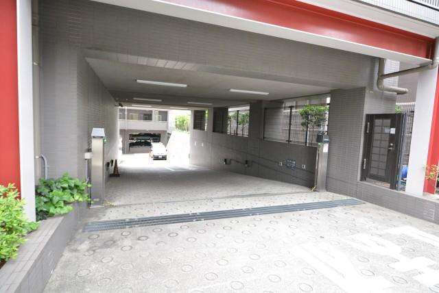 シティウインズ本駒込 駐車場へ