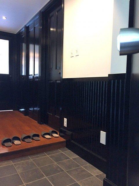 ノア三田 (7) 今回は2Fのお部屋です 早速中へご案内します レトロな雰囲気が…